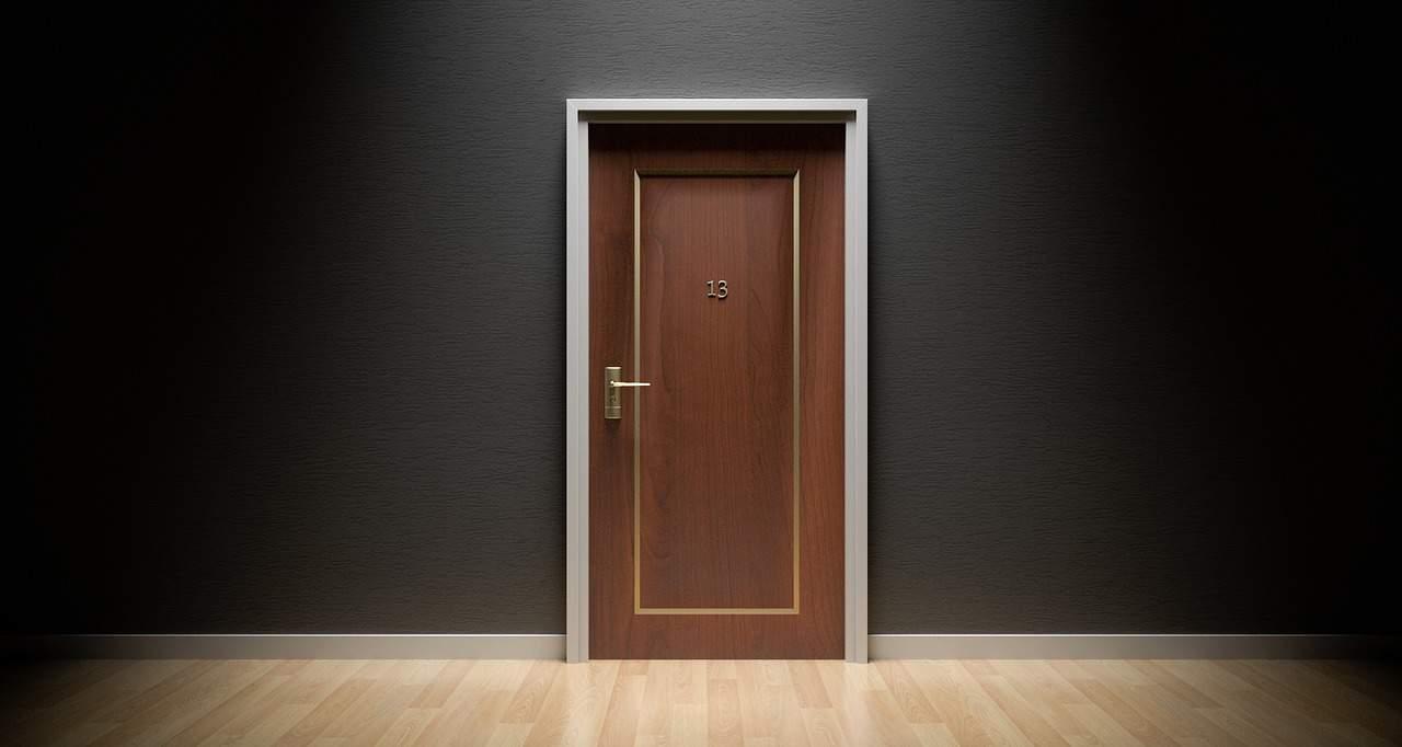 איך לבחור דלת פנים