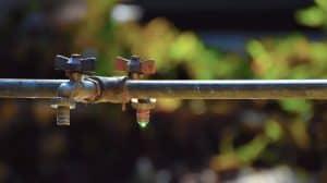 צינור מים ראשית