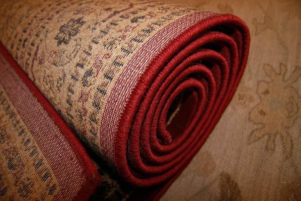 שטיח מגולגל